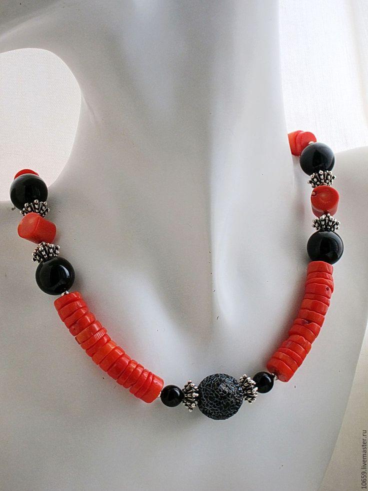 Купить ожерелье ОРАНЖЕВОЕ ЛЕТО ( коралл, агат , лава, шунгит ) - комбинированный