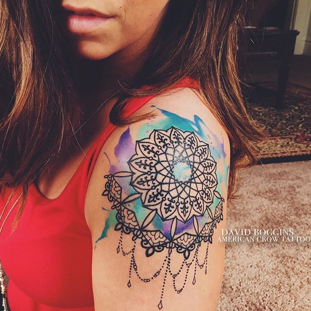 Skylar sent me this sexy pic of her watercolor shoulder mandala all healed up…