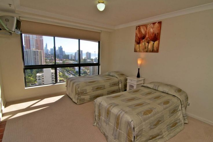 Victoria Square Apartments - 2 single bedroom - Broadbeach Holiday Accommodation