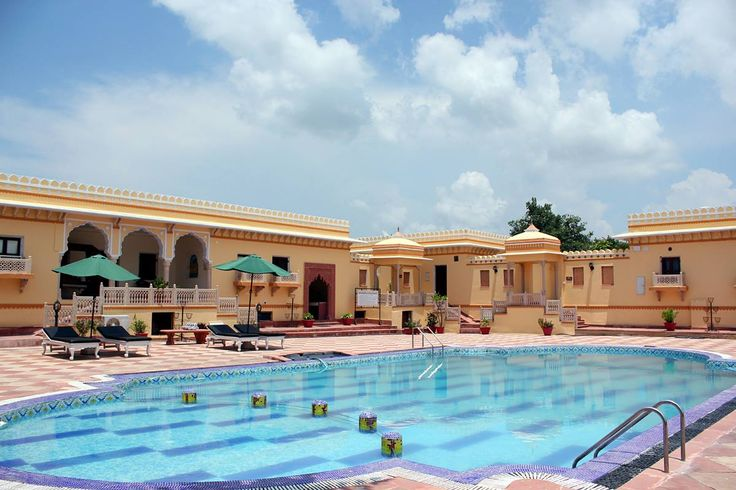 The architecture of Amar Mahal, Orchha is built like the Rajput house of Bundelkhand. It is a perfect gateway to experience the historical and natural splendour of Orchha which are less than a kilometer away from the hotel.