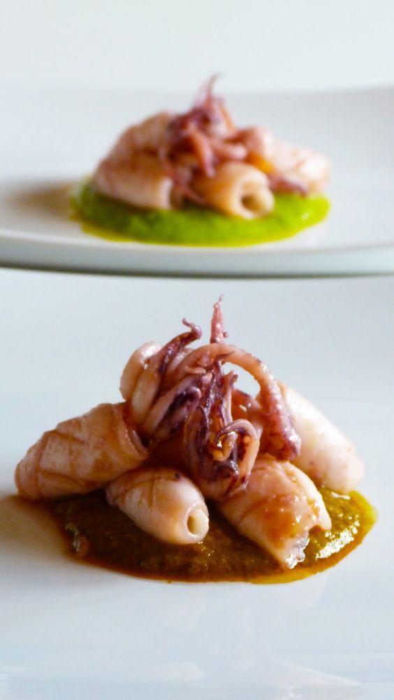 Calamari con pesto di pomodorini secchi e calamari su crema di piselli