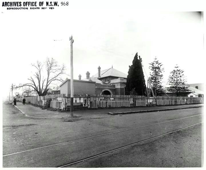 Parramatta Court House under construction in 1895.A♥W