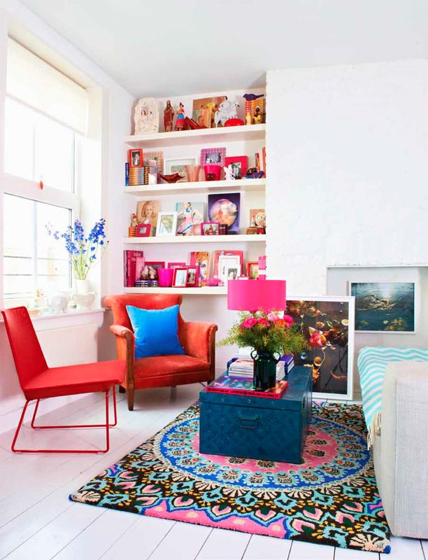 Love the use of bright florals in this space.  Naturalist style doesn't have to mean neutrals