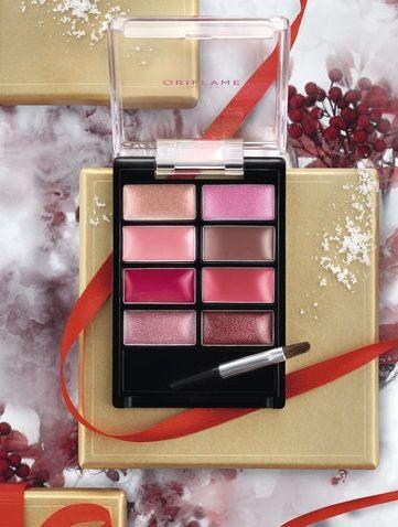 Pure Colour Lip Palette von Oriflame!!! Wunderschöne Farben, erstaunlicher Preis! Ändern Sie Ihren Lippenlook jeden Tag mit dieser Palette voll von tragbaren Schattierungen variierend von hell zu intensiv und cremig bis perlmut. Einschließlich Applikator.  #lips #lipgloss #lippies #lippen #palette #makeup #trendy