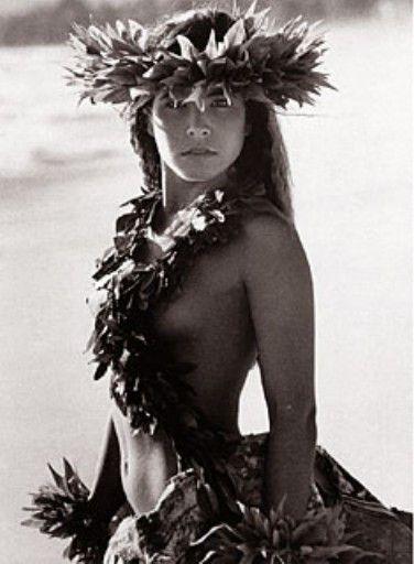 "Kim Taylor Reece ""Makaki'i"" 11 X 14 Double Matted Hawaiian Hula Print"