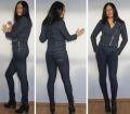 Jeansbukse og jakke