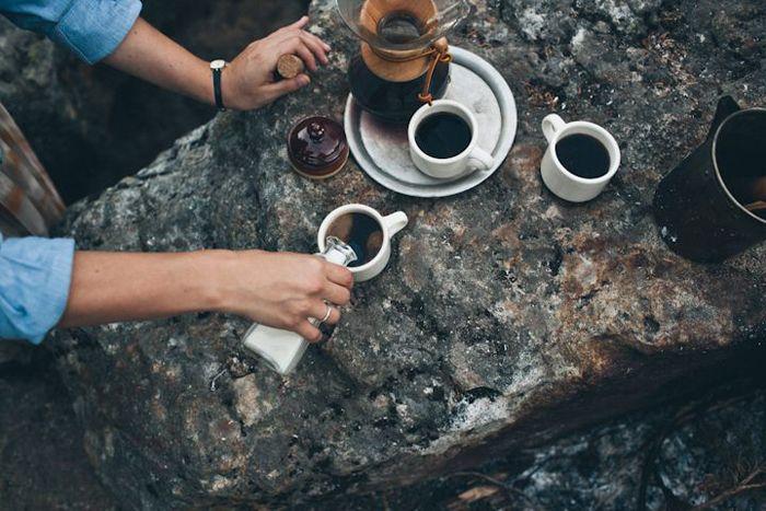キャンプやハイキングなどアウトドアでコーヒーを淹れよう。