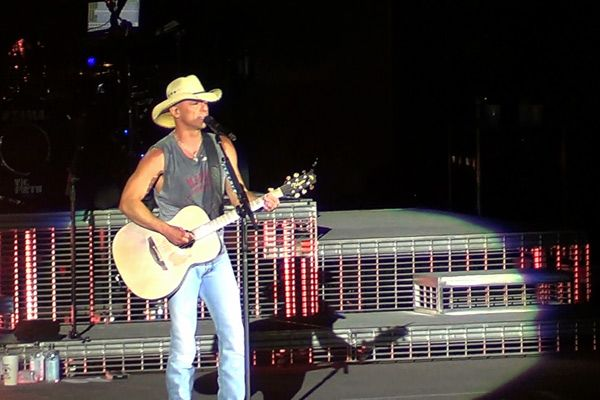 Kenny Chesney's 2013 No Shoes Nation Tour Comes to Austin