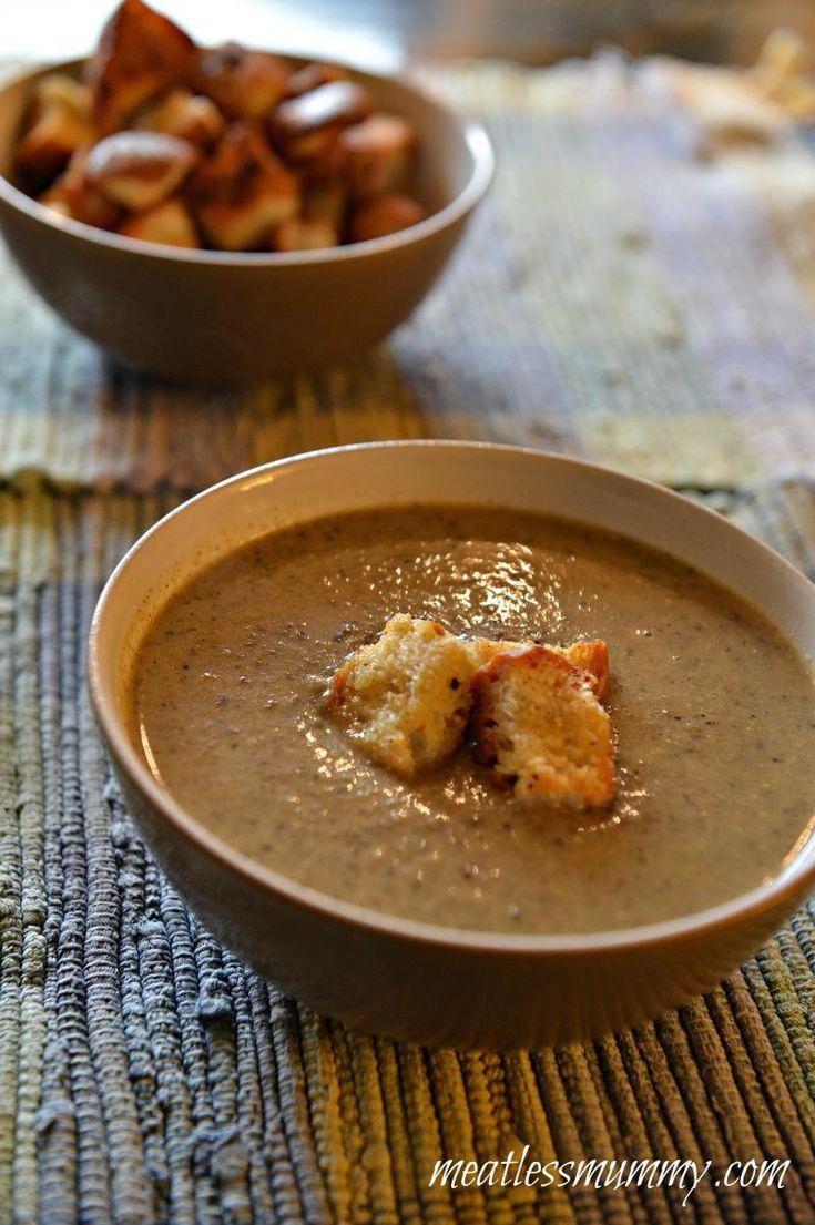 Creamy Portobello Mushroom Soup With Homemade Croutons :: YummyMummyClub.ca