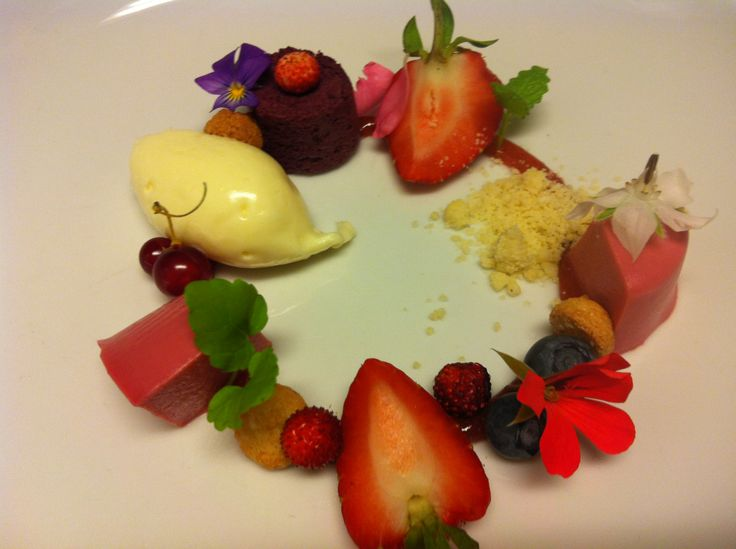 icecream, mousse and berries