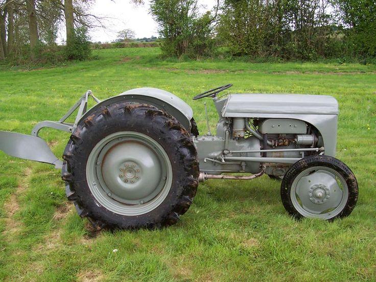 Massey Ferguson TED20 Tractor