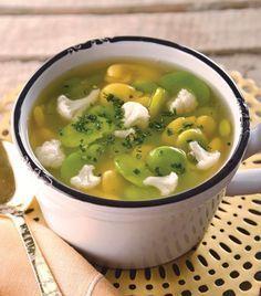 """Deliciosa y nutritiva: """"Sopa de haba y coliflor"""""""