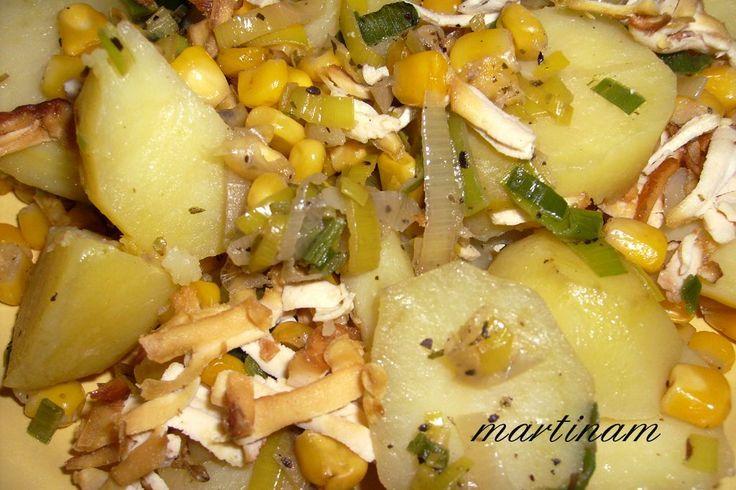 Zapékané brambory s uzeným tofu a zeleninou