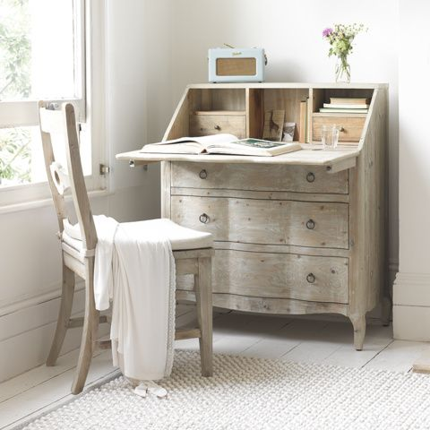 QUILL BUREAU This is the kind of bureau that might inspire great literary works. May it transform your grocery list into pure poetry. #desk #bureau