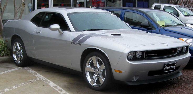 2009_Dodge_Challenger_RT.jpg