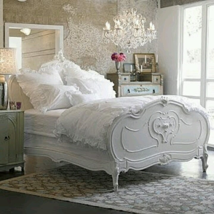 Stunning french country cottage style bedroom interior for Shabby chic bedroom furniture