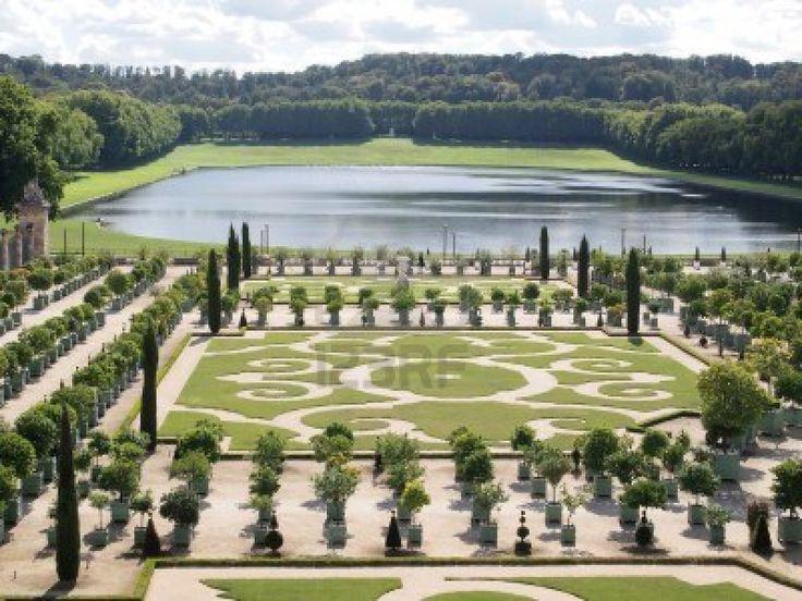 Decoratieve tuinen met sinaasappelbomen in Versailles
