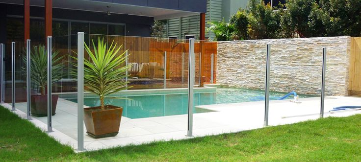 Semi frameless glass pool fencing swimming pools for Pool fence design qld