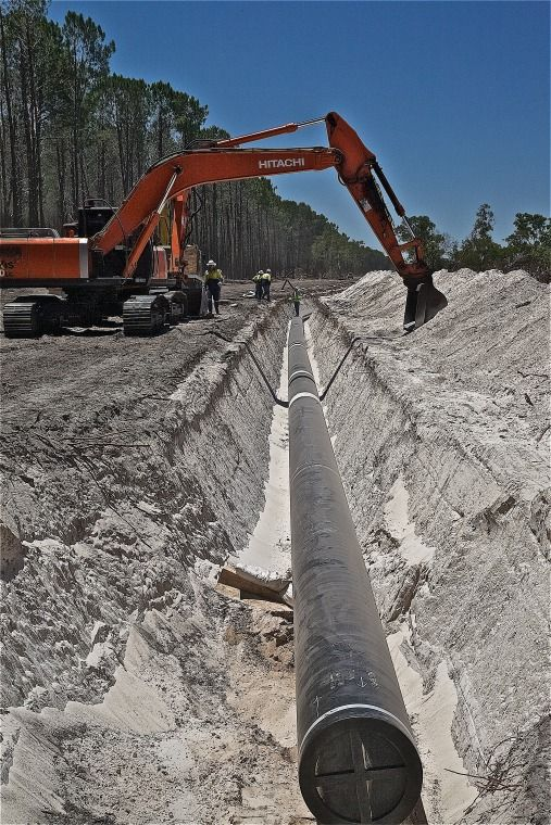 BA2741/135: View of gas pipeline in trench, Neerabup, 18 December 2008 http://purl.slwa.wa.gov.au/slwa_b4625321_1