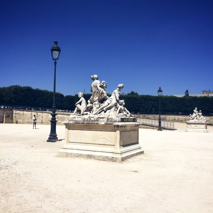 Really hot trip to Paris | Jeansglam.com