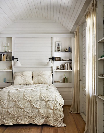 Popular post from LovelyQuarters.com. Photo via 24.media.tumblr.com.: Cottages Bedrooms, Built In, Bedrooms Design, Duvet Covers, Beds Spreads, White Bedrooms, Wood Ceilings, Guest Rooms, Bedrooms Ideas