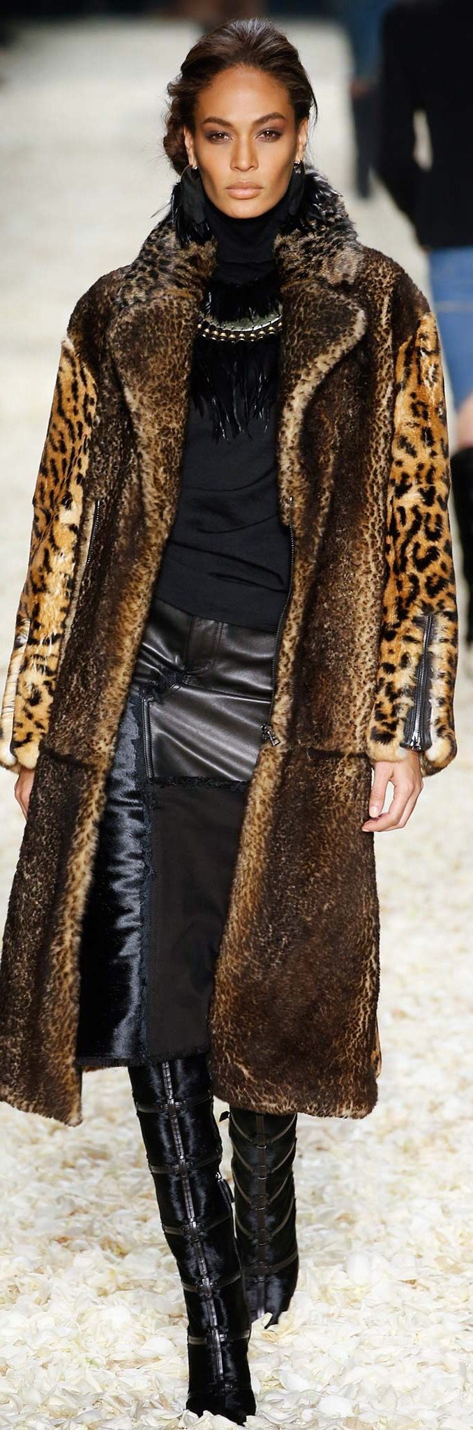 Tom Ford Fall 2015 RTW -as long as this is fake fur, I think this outfit just rocks.