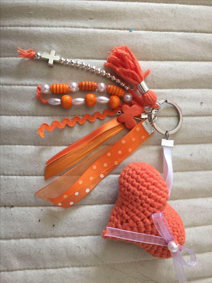 Llavero crochet kika