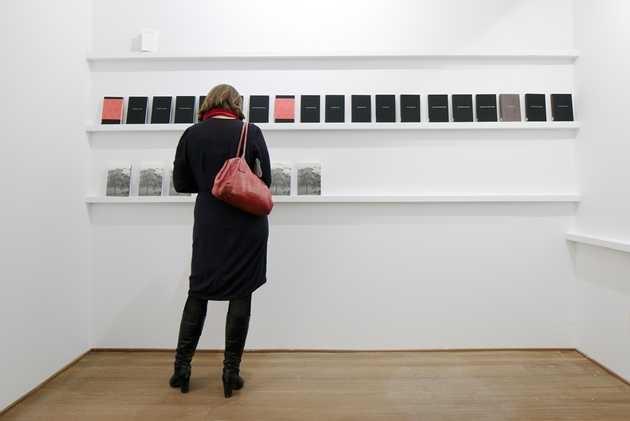Alon Levin, publicatie Logboek van een gebouw: 100 dagen en 10 jaar De Paviljoens (2004). © Jordi Huisman, Museum De Paviljoens