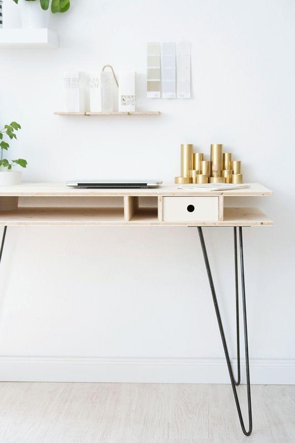 DIY desk . Super easy DIY by s i n n e n r a u s c h: Ein Schreibtisch zum Selberbauen