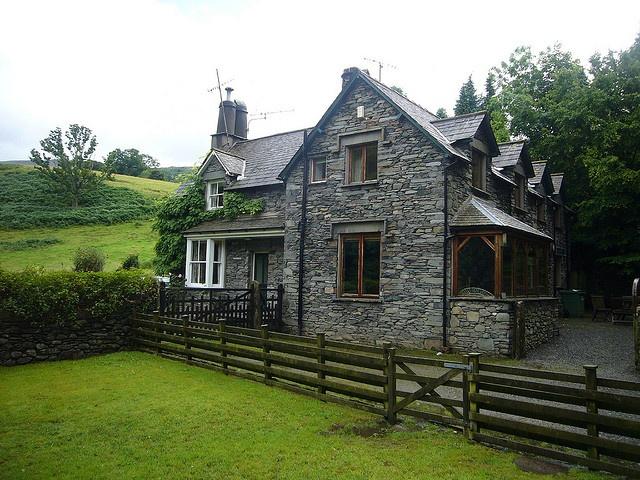 English Stone Cottage With Pastureland