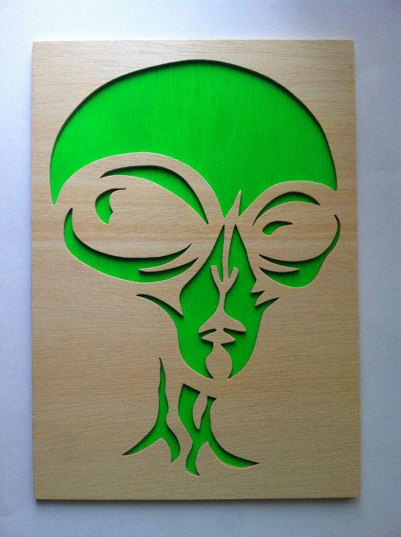 Alien cuadro de madera por Planetasierra en Etsy, €25.99