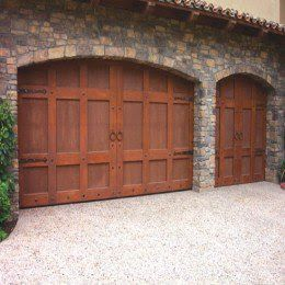 17 best images about casas de campo on pinterest doors for Portones madera rusticos