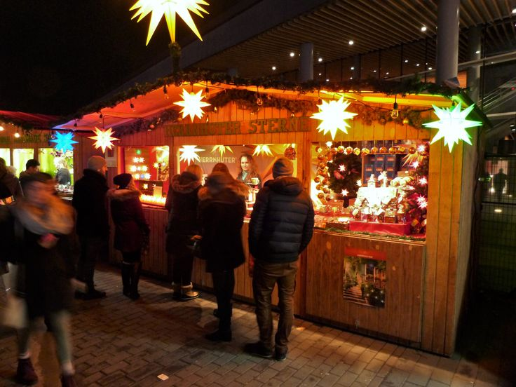 Herrnhuter Sterne booth at the Vancouver Christmas Market 2017