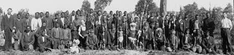 Los noongar (también conocidos como Nyungar) son un pueblo aborigen australiano que residen en la esquina suroeste de la provincia de Australia Occidental desde Geraldton hasta Esperance.