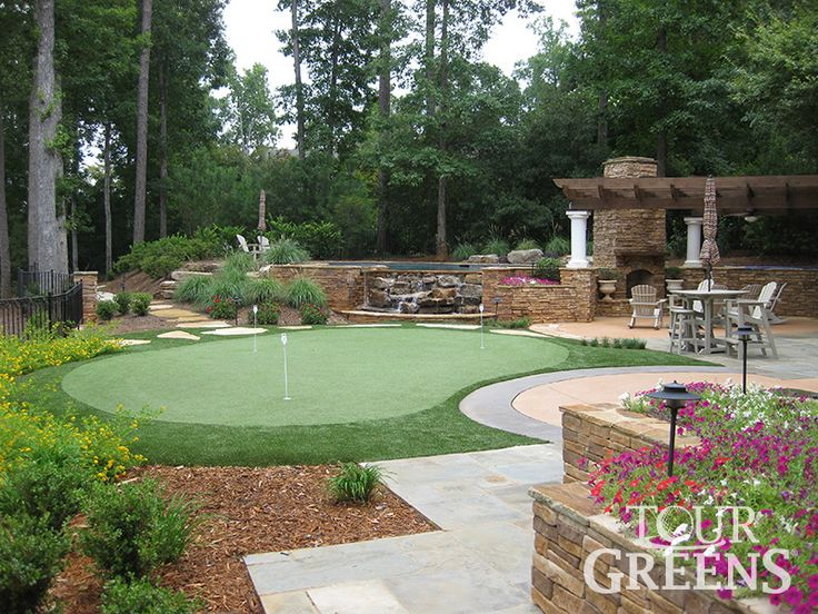 Corner Putting Green Backyard Design / Tour Greens Backyard Putting Greens  And Short Game Greens