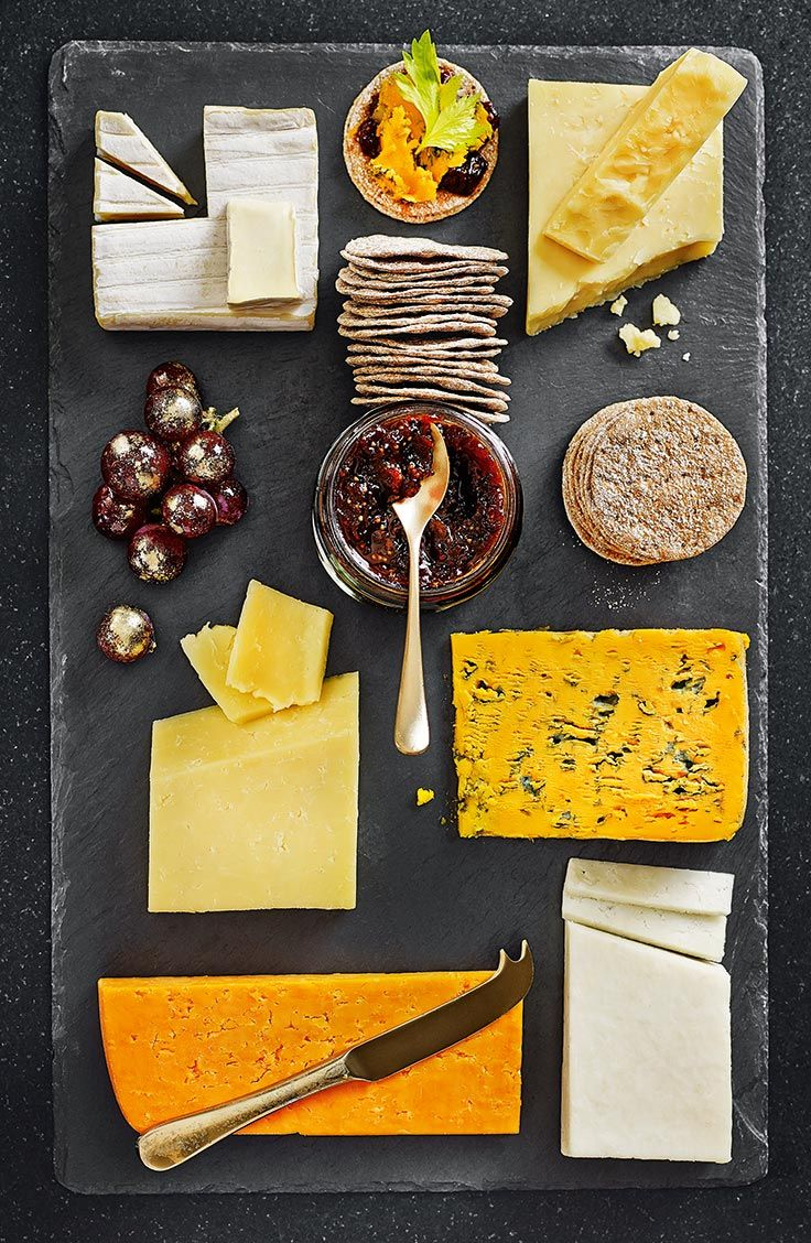 Enjoy a well-balanced cheese board with chutney and crisp breads after Christmas dinner.