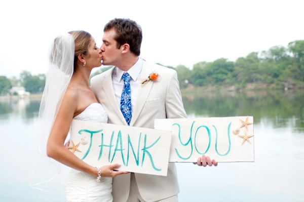 make your thank you card AT the wedding!!
