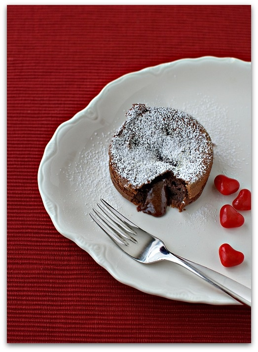 Molten Chocolate Lava Cake #easy #chocolate #cake