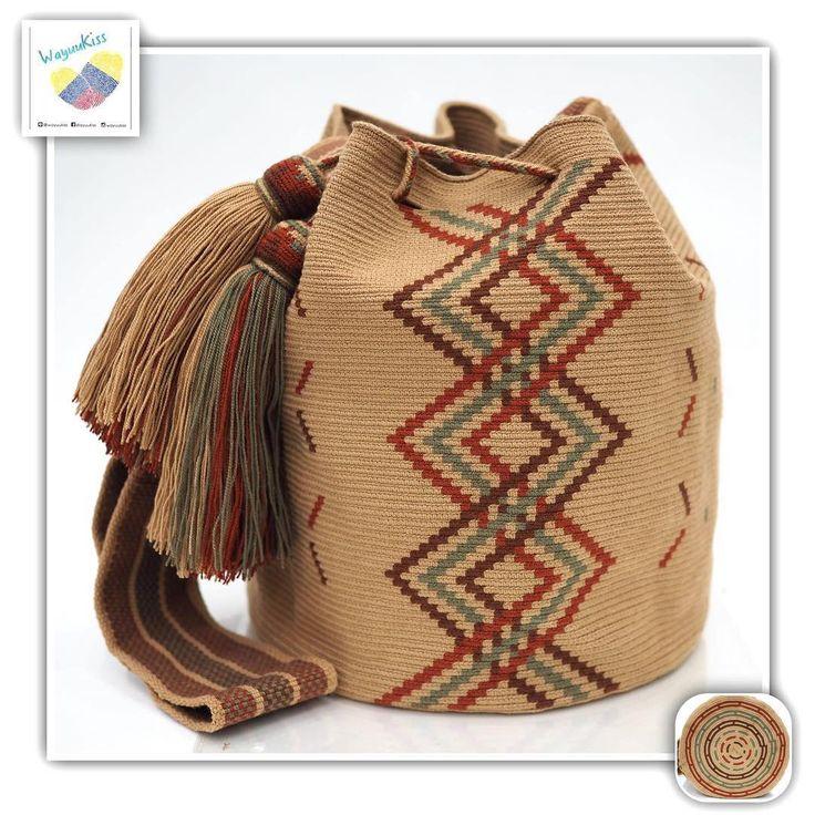 8 отметок «Нравится», 1 комментариев — Wayuu Bags &Bikini etc. (@wayuukiss) в Instagram: «Wayuu bag one strand รุ่น ชนกลุ่มดั้งเดิมที่มี skill สูง ⭕️Sold out⭕️ •ฐาน 9นิ้ว สูง 10.5นิ้ว…»