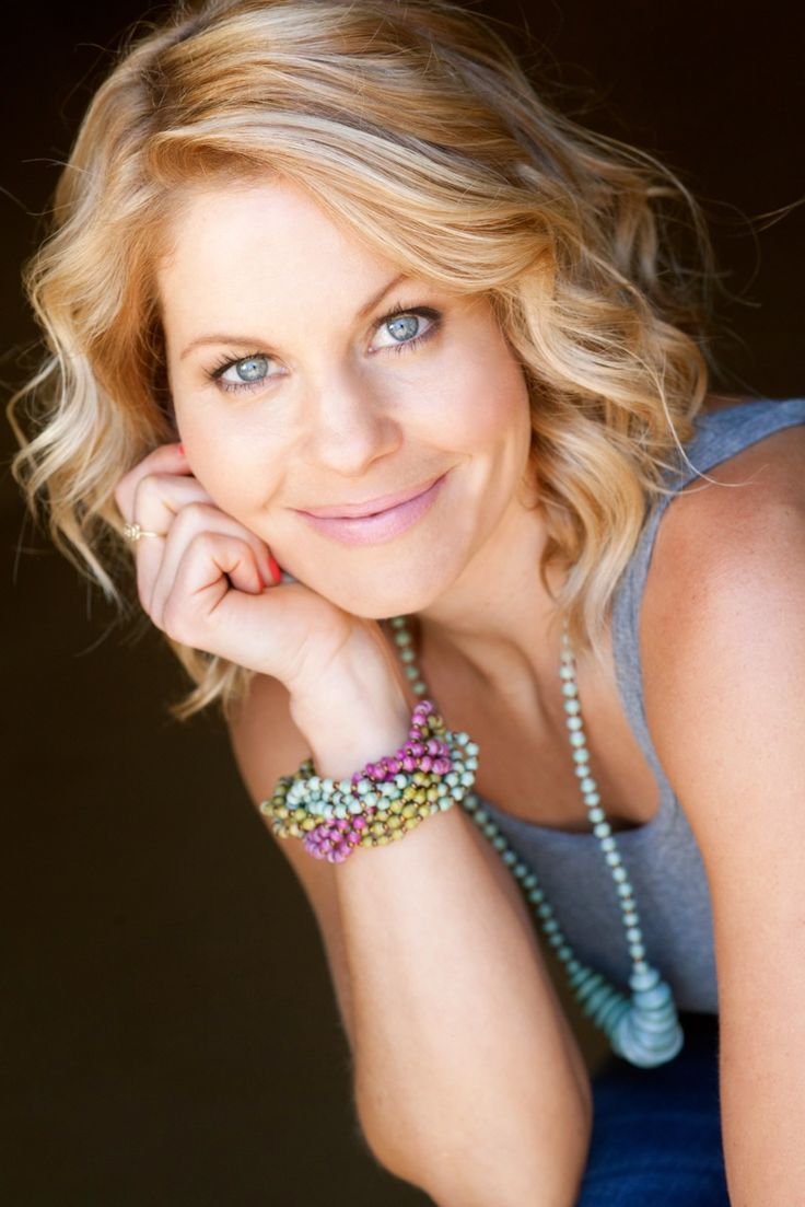 So I was digging this bracelet and didn't realize at first that it was being modeled by Candace Cameron Bure. Wow, Full House was a long time ago. And I really do like that bracelet.