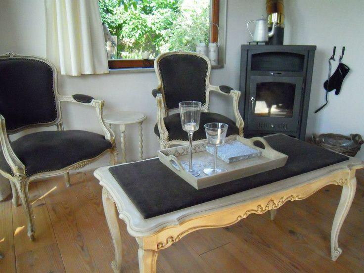 gestoffeerde Louis XV zeteltjes en salontafel
