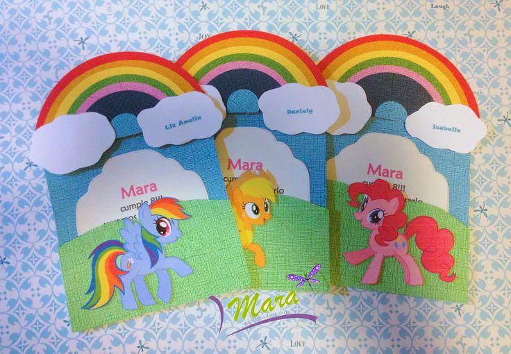 Invitaciones de My Little Pony, cada detalle es cortado y pegado de manera individual, así que cada detalle queda en relieve.   Las m...