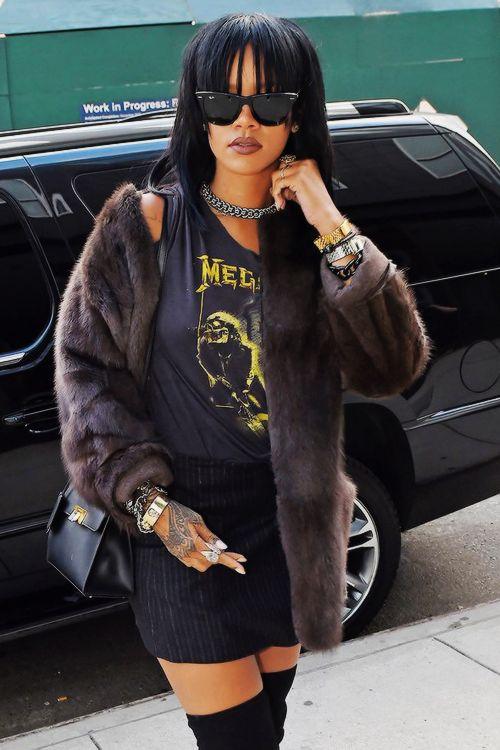 """ Rihanna out in New York (September 21) """