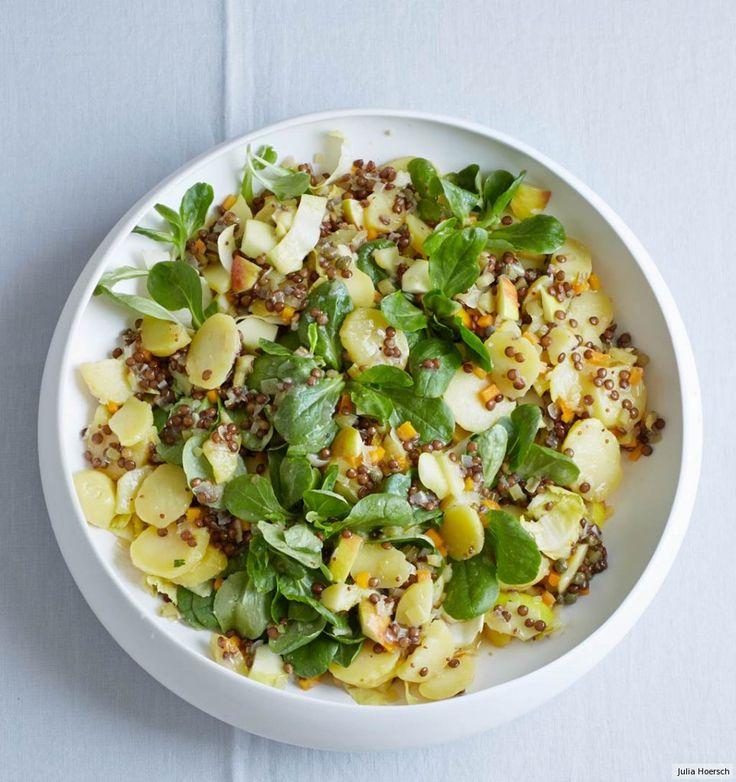 Fein und deftig mit Puy-Linsen, Feldsalat und Apfelstückchen. Dazu gebratene Lyoner für den französischen Dreh.