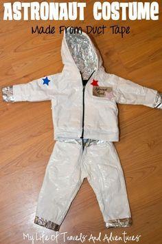 Fato de astronauta - a partir dum casaco e duns jeans - recobertos com fita adesiva branca e fita metalizada. Tutorial em:  http://www.mylifeoftravelsandadventures.com/2014/09/homemade-astronaut-costume.html Astronaut Eli?!