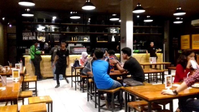 Kuliner Palembang - Ada Smoke Beef di Indomie Warunk Upnormal, Cicipi Juga Nasi Gokil Bertabur Kikil