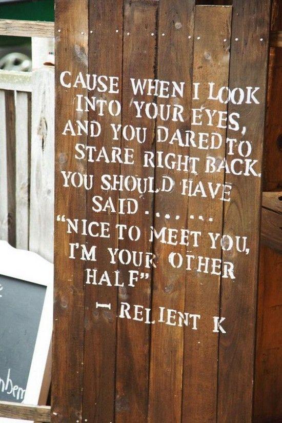 rustic farm wedding sign decor ideas / http://www.deerpearlflowers.com/rustic-barn-wedding-ideas/2/
