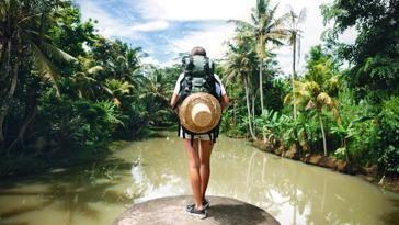 El secreto de la felicidad no es casarse o tener un hijo, sino viajar