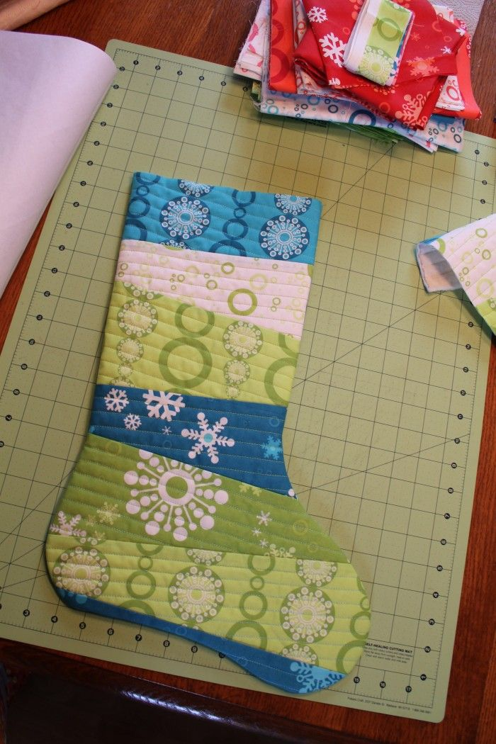 tutorial: falling flakes quilt as you go stocking || imagine gnats