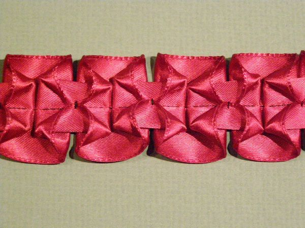 Beautiful Pleated Ribbon, Ideas for use; scrapbooking element, accent on dress, or home decor accent.: Embellishments Ideas, Diy Ideas, Diy Crafts, Fabrics Manipulation, Ribbons Embellishments, Pleated Ribbons Trim, Thread Magazines, King Demonstrations, Pleatedribbon Trim